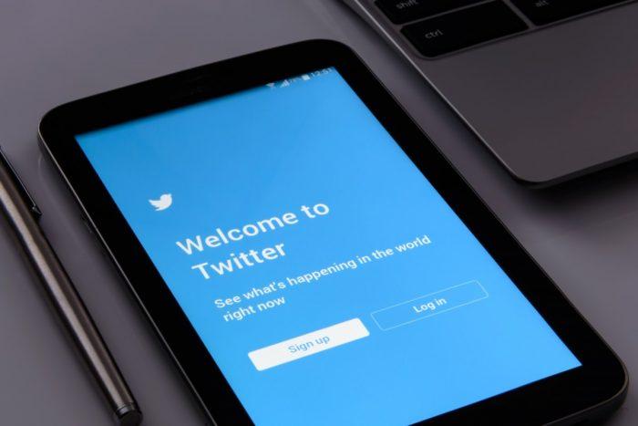 twitter_screen_social_phone_cellular